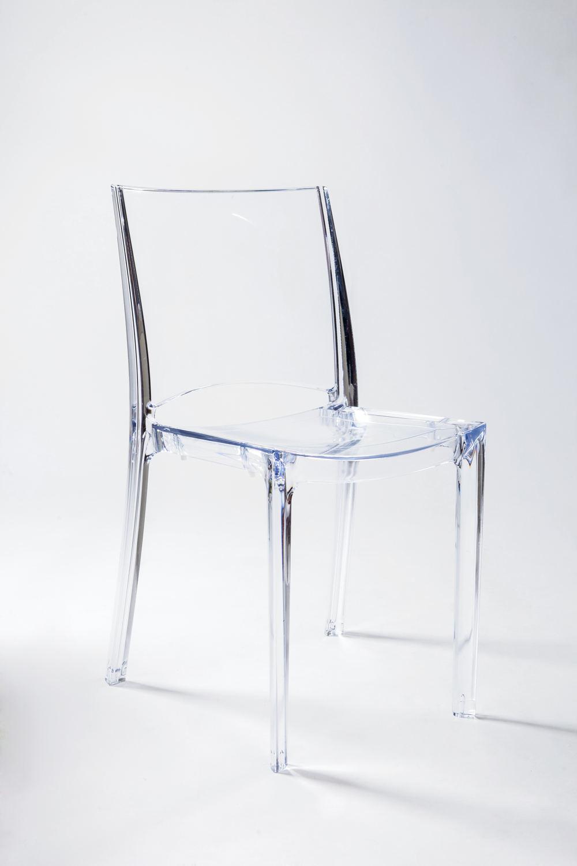 sedia trasparente